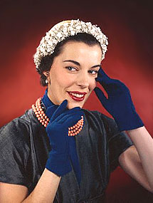 knitting gloves